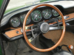 1967 911 green gauges